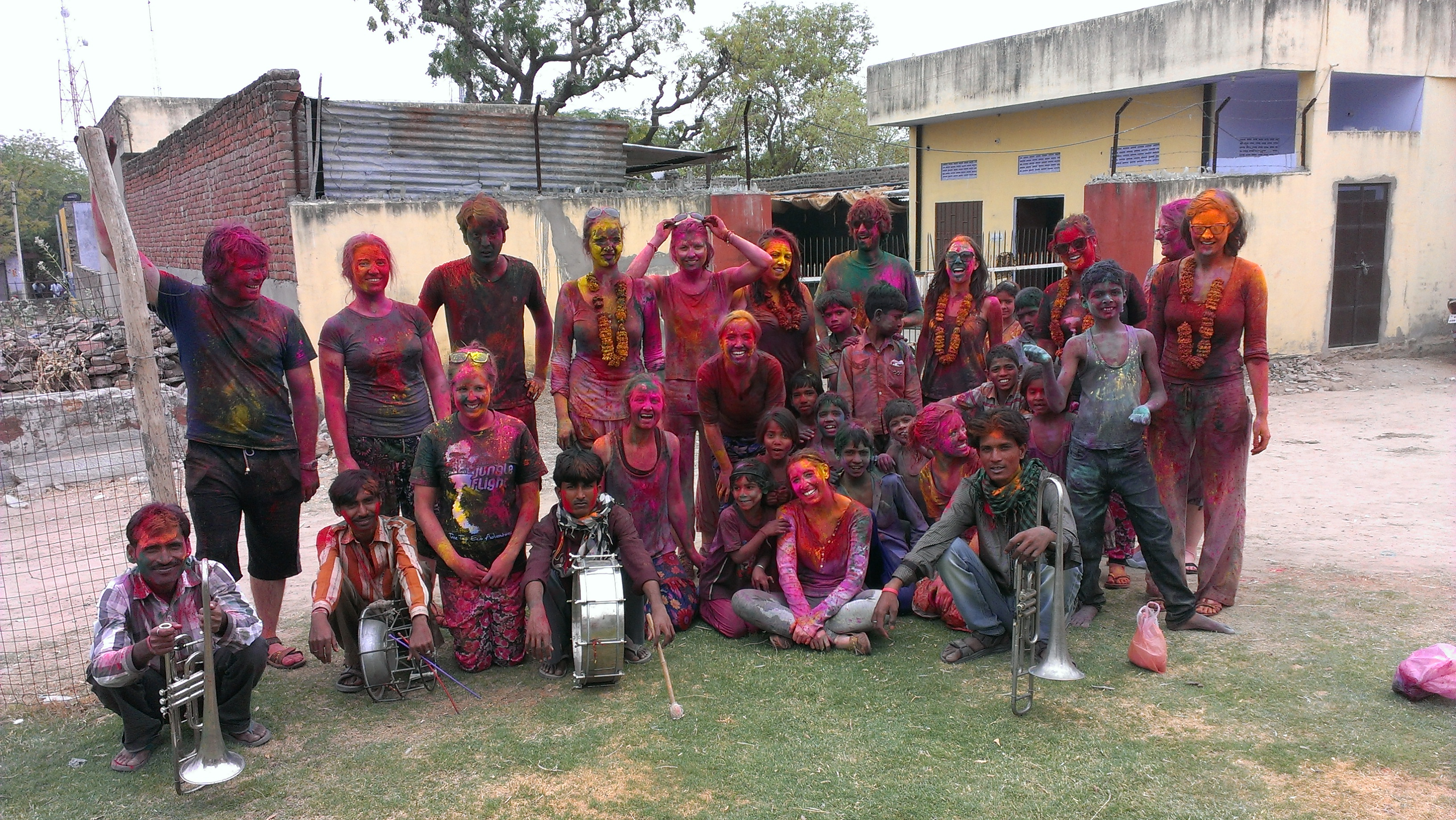 5 Reasons Why You Should / Shouldn't Include The Indian Holi Festivities In Your Bucket List