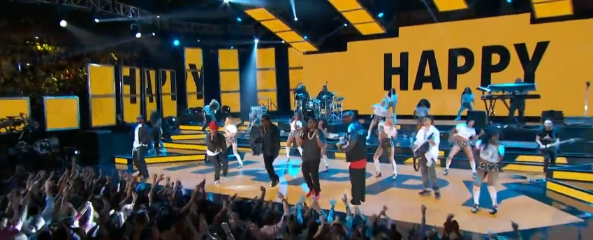 Watch Pharrell Perform At NBA All-Star Game With Snoop Dogg, Busta Rhymes, Diddy, Nelly And Chad Hugo (Video)